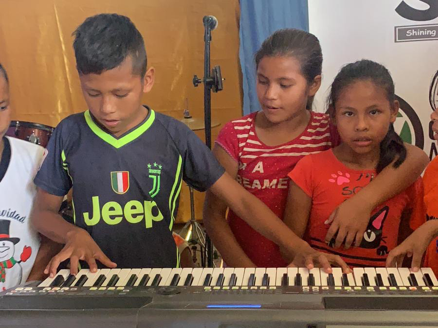 iquitos_orphan_kids_55
