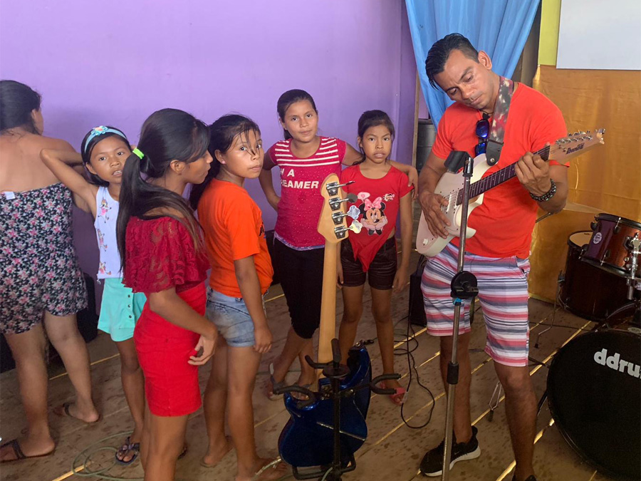 iquitos_orphan_kids_48