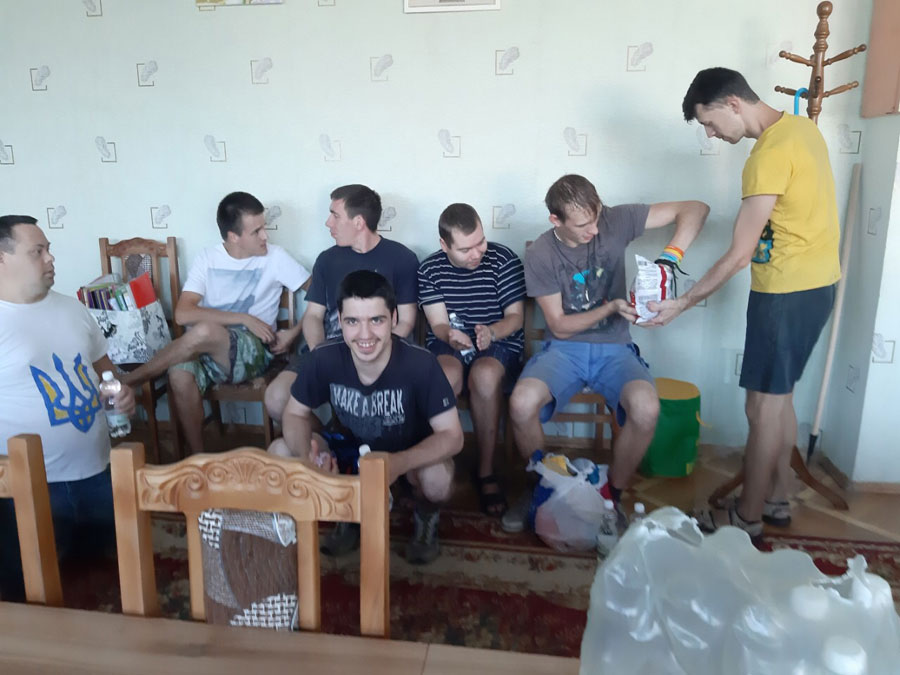 orphan-children-ukraine-01