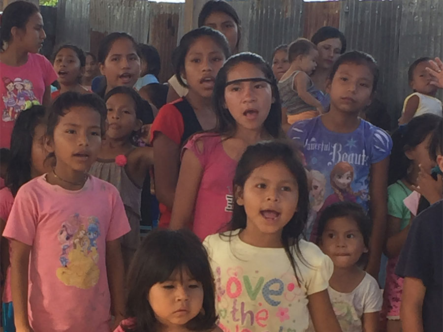 iquitos_orphan_kids_01
