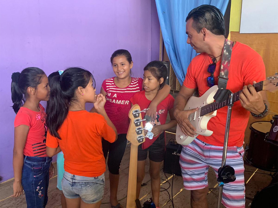 iquitos_orphan_kids_45