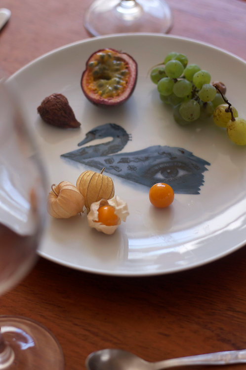 THE SWAN PLATE