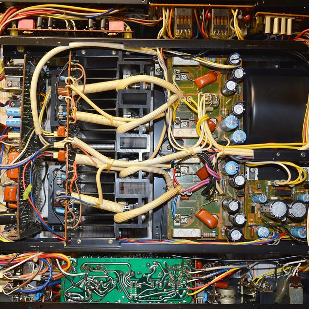 r7Gx-AG22m8.jpg