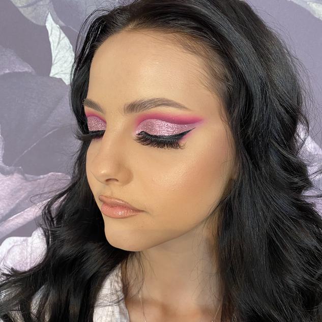 pink cut crease glam makeup.HEIC