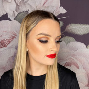 classic glam wing liner red lips.jpeg