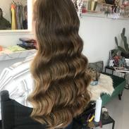 loose hollywood wave formal hairstye.HEI