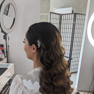 hollywood waves with clip formal bridal
