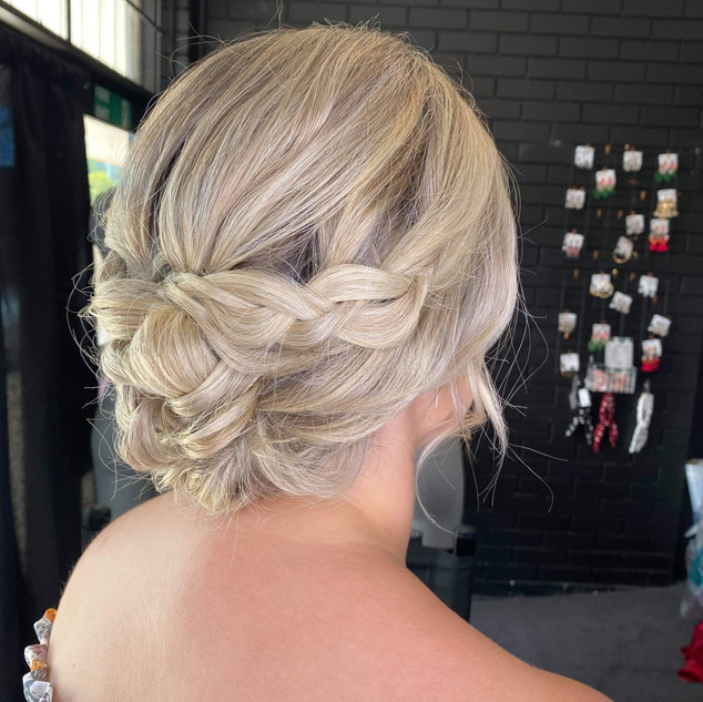 soft braided upstyle formal hairstyle.JP