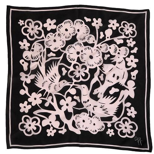 Lenço Floral Pura Seda Preto e Rosê - Tamanho M