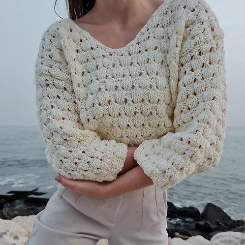 Dainty Petal Delicate Knitwear