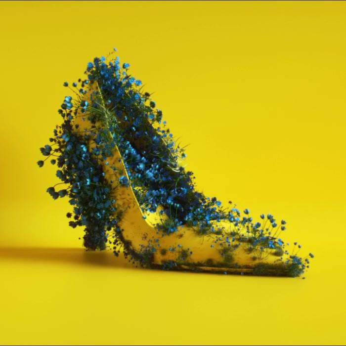 Shoe_Flowers_YLW MB_1X1 V3.mp4