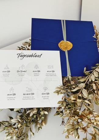 Tagesablauf mit Kuvert in Blau