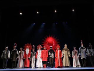 Актер театра Романа Виктюка, режиссер, хореограф Сергей Захарин ставит детский мюзикл в Кургане.