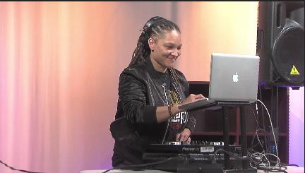 DJ Lady Ly!