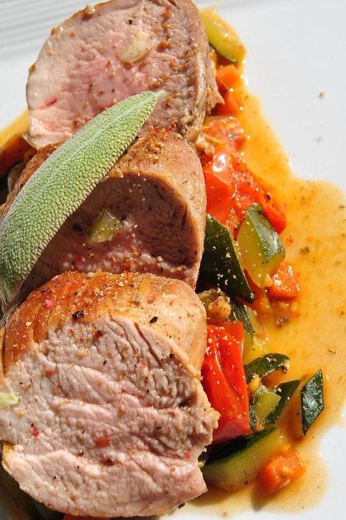 Filet mignon de porc rôti au basilic et tomates, tortilla de pommes de terre