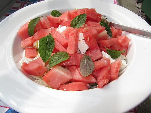 Verrine de melon, pastèque et fêta à la menthe