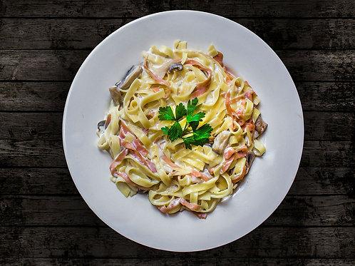 Salade de pâtes du jour aux lardons et épinards*