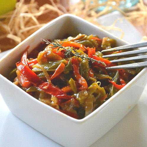Plat végétarien : Piperade de légumes en timbale et poivrons confits