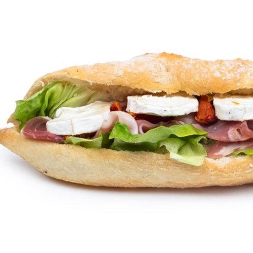 Sandwich chèvre et jambon de pays