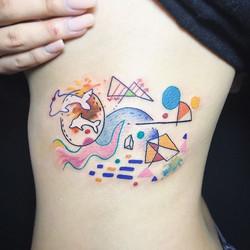 Super colourful abstract tattoo by _demiadventure ✨ #shalladoretattoo #tattoo #tatouage  #inked #ink