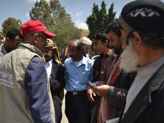 Jewish community members in Sana'a receive food aid provided by monareliefye.org for the second