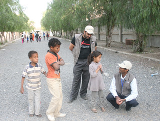 monareliefye.org delivering Eid gifts to 600 of IDP Children at Sana'a Schools to buy eid al-Adha cl