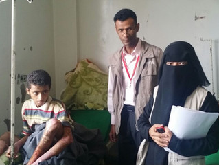 Monareliefye.org delivering patients at al-Jumhori hospital hygiene kits
