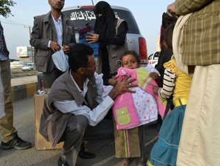 Monareliefye.org delivers 1000 children in Sana'a Eid al-Fitr clothes