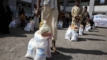 300 families in Hodeidah received food supplies from Mona Relief