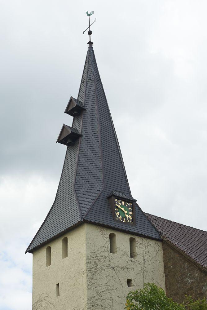 Kirchturmdach mit Biberschwanz-Ziegel