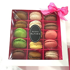 Box of 15 Macarons