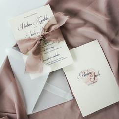 transparentne-eco-minimalistyczne-zapros
