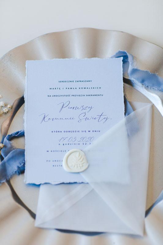 zaproszenie-na-komunie-niebieskie-minima