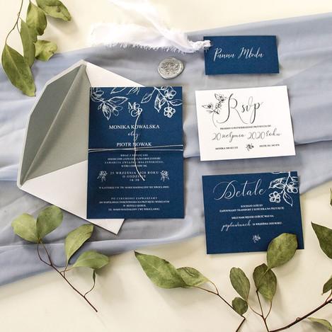 roslinny-szkic-zaproszenia-kwiatowe-bial