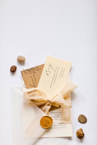 zaproszenie-bezdaty-slubu-kremowe-karmel