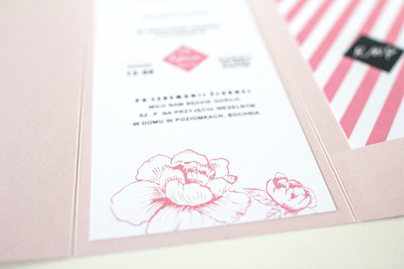 brudny-roz-folder-piwonie-paski_zaprosze