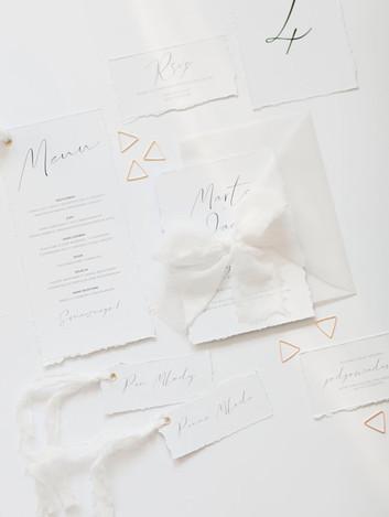 minimalistyczne_targane_brzegi_bialo-cza