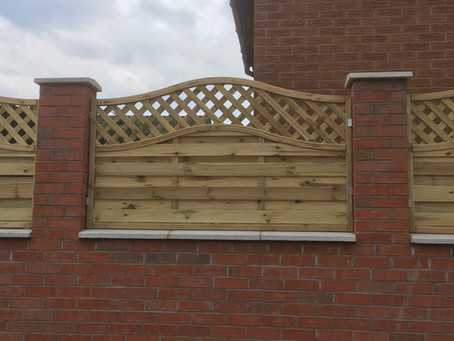 Large wall and fencing