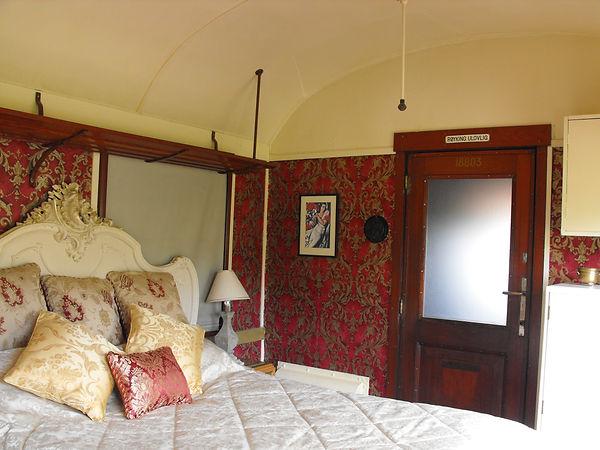 Bluebell double bedroom.JPG