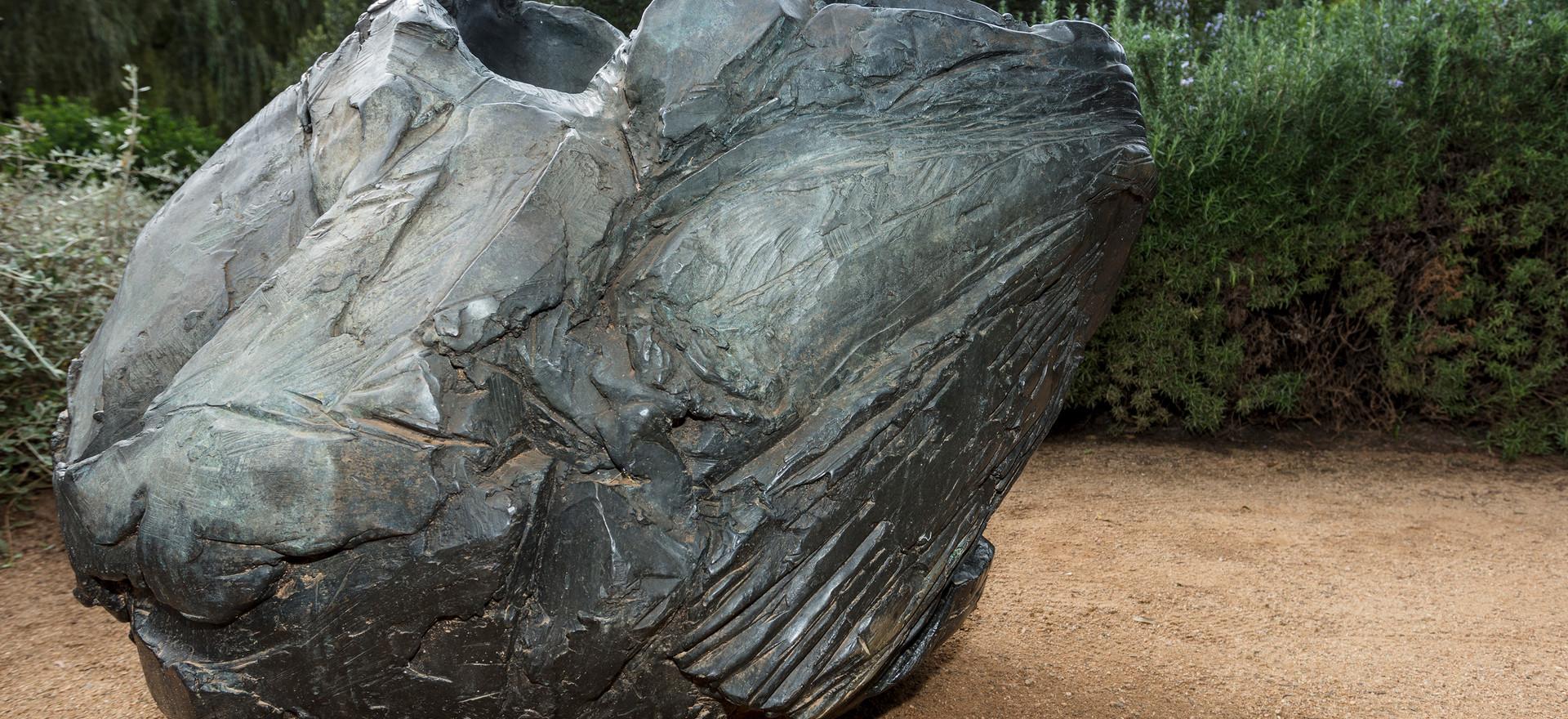 'Kin' 2016, bronze, 82 x 90 x 110 cm