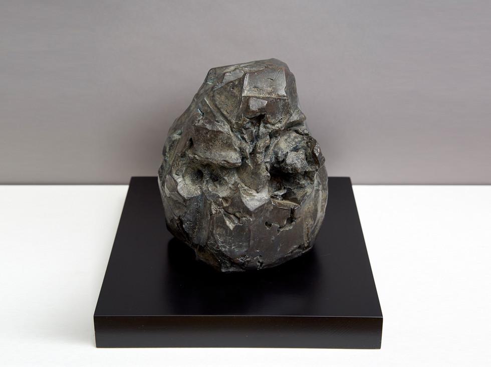 'Facet', 2014, bronze, 14 x 14 x 16 cm