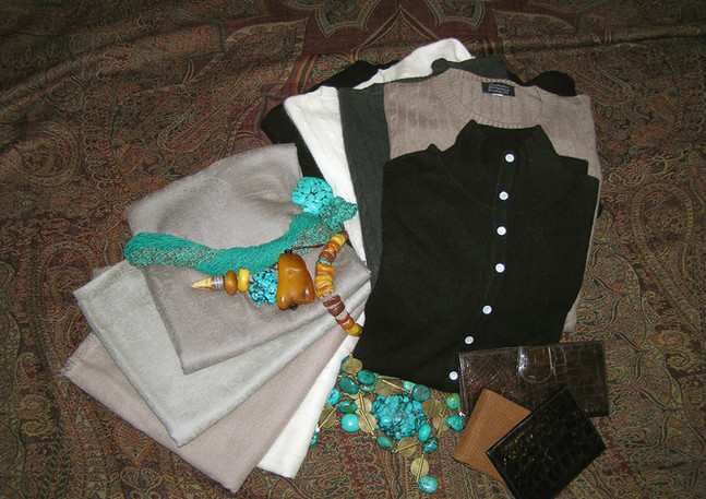 Cashmere knotwear and shawls