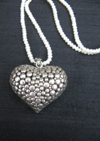 Silver heart pendant Thailand with pearls