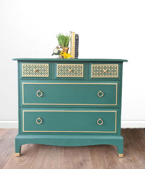 Stag minstrel green chest of drawers