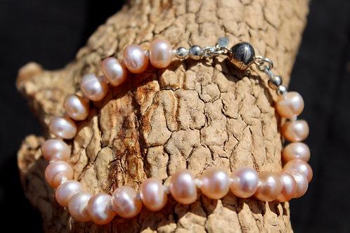 Peach freshwater bracelet