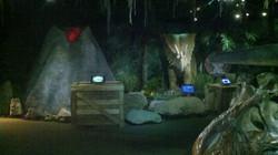 "Ripley's ""Dinosaurs"" display 2013."