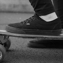 スケーターファッションの通販なら「gurirubooth.com」 ~VANS・SUPREMEなど様々なブランドを取り扱う~