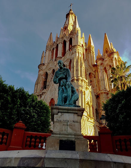 SMA cathedral_statue_w.jpg
