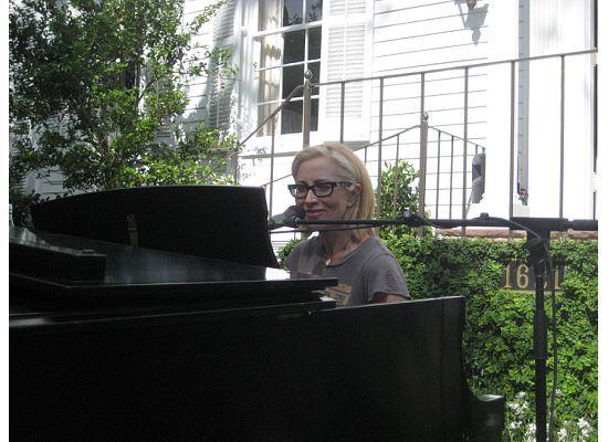 piano+nola