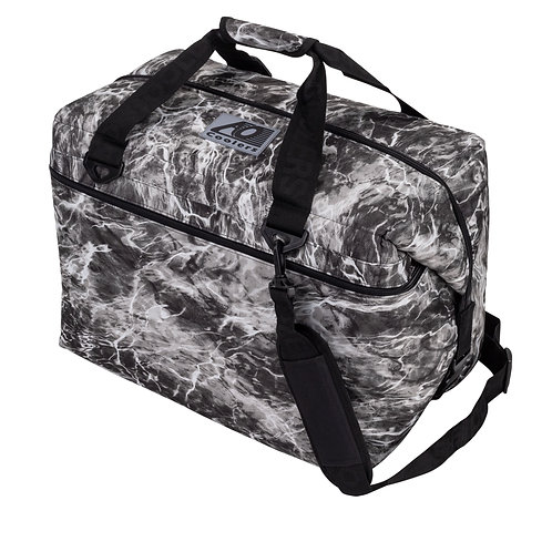 36 Pack Mossy Oak Fishing Manta Cooler